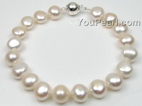 White nugget baroque freshwater pearl bracelet, 9-10mm